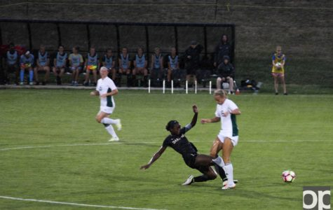 Women's soccer splits home exhibition games against EMU and Fort Wayne
