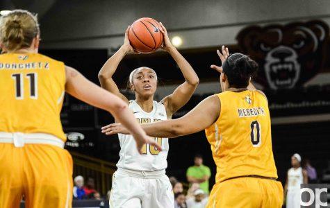 Women's basketball crushes Crusaders in New Year's Eve showdown