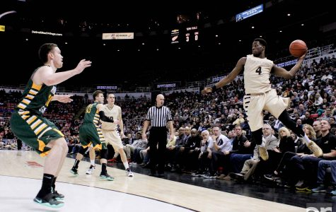 Men's and women's basketball teams approach Motor City Madness