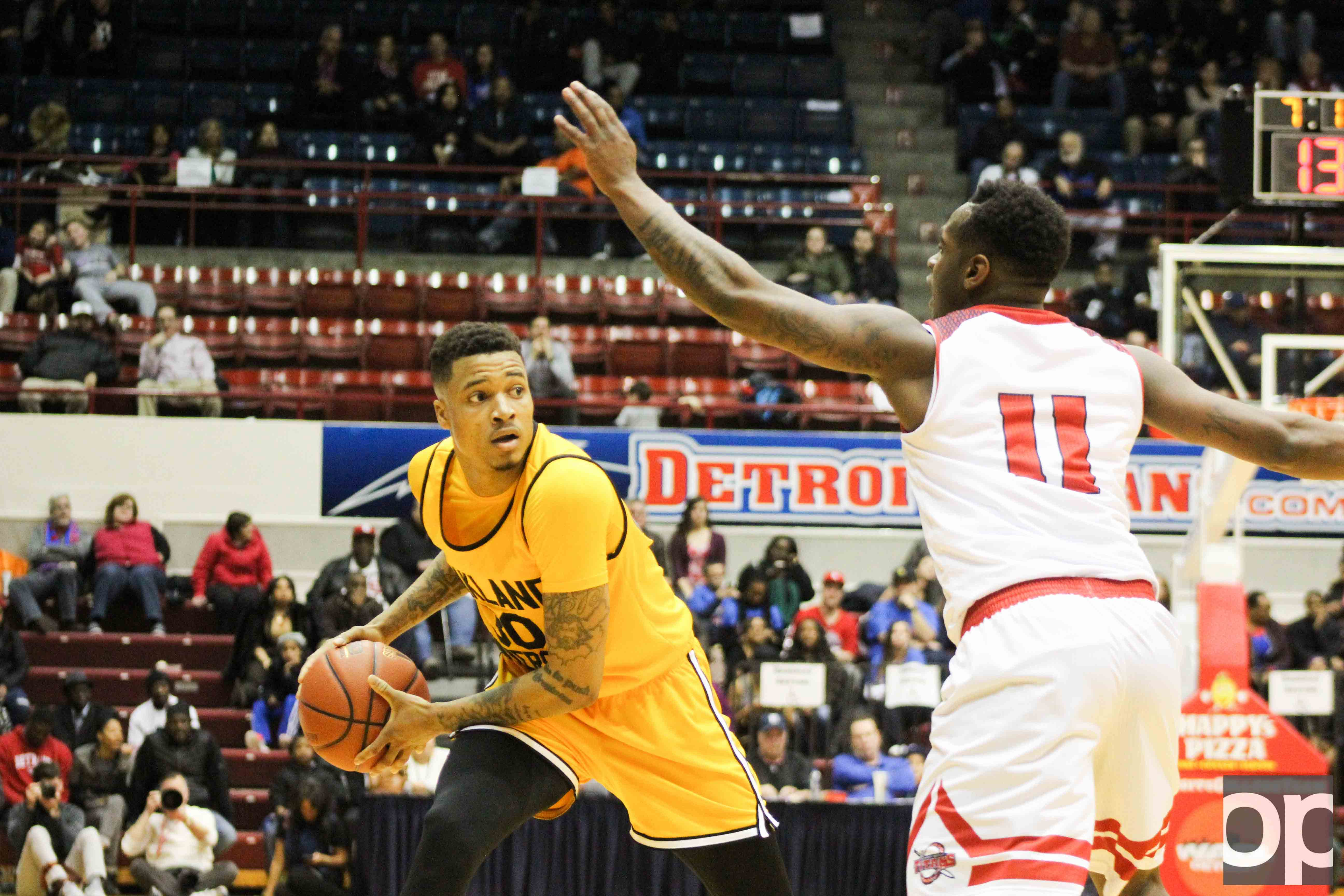 Sherron Dorsey-Walker and Jalen Hayes both scored 23 points to lead Oakland to its 89-80 win over University of Detroit Mercy on Friday, Feb. 10 at Calihan Hall.