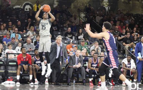 Men's basketball smothers the flames
