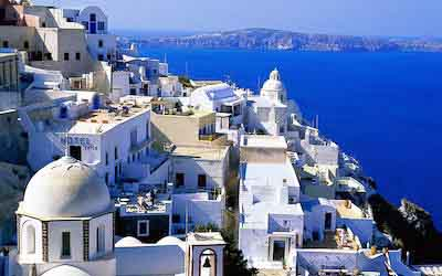 Study abroad in Greece, tell humanitarian stories