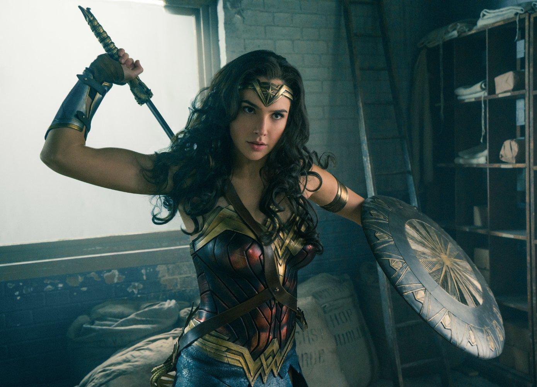 Gal Gadot wowed by Paolo Ballesteros' Wonder Woman transformation