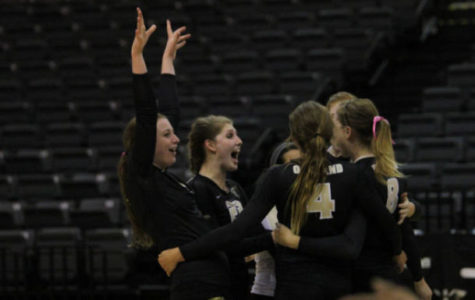 Oakland takes down Central Michigan in volleyball season opener