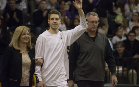 Late collapse sours senior day for men's basketball
