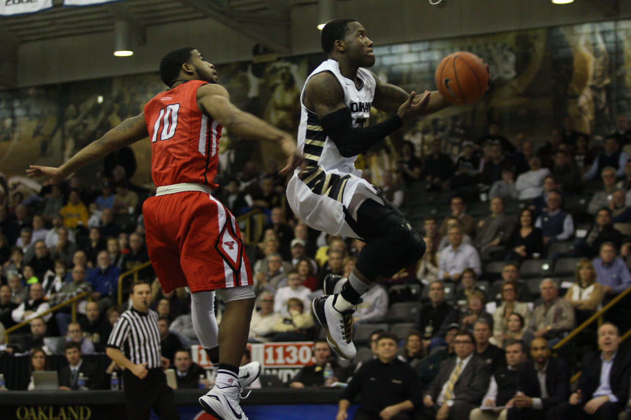Kahlil Felder goes for the dunk in Wednesday's game against the Youngstown State Penguins in the O'Rena.