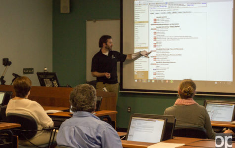 Learning to teach through Moodle