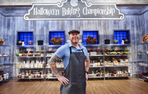 Competitor Scott Breazale during the Main-Heat round, Trick or Treat, Classic Costume Desserts, as seen on Food Network's Halloween Baking Championship, Season 1.