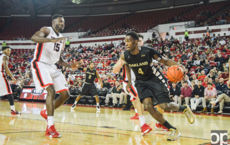 Oakland men's basketball loses 86-82