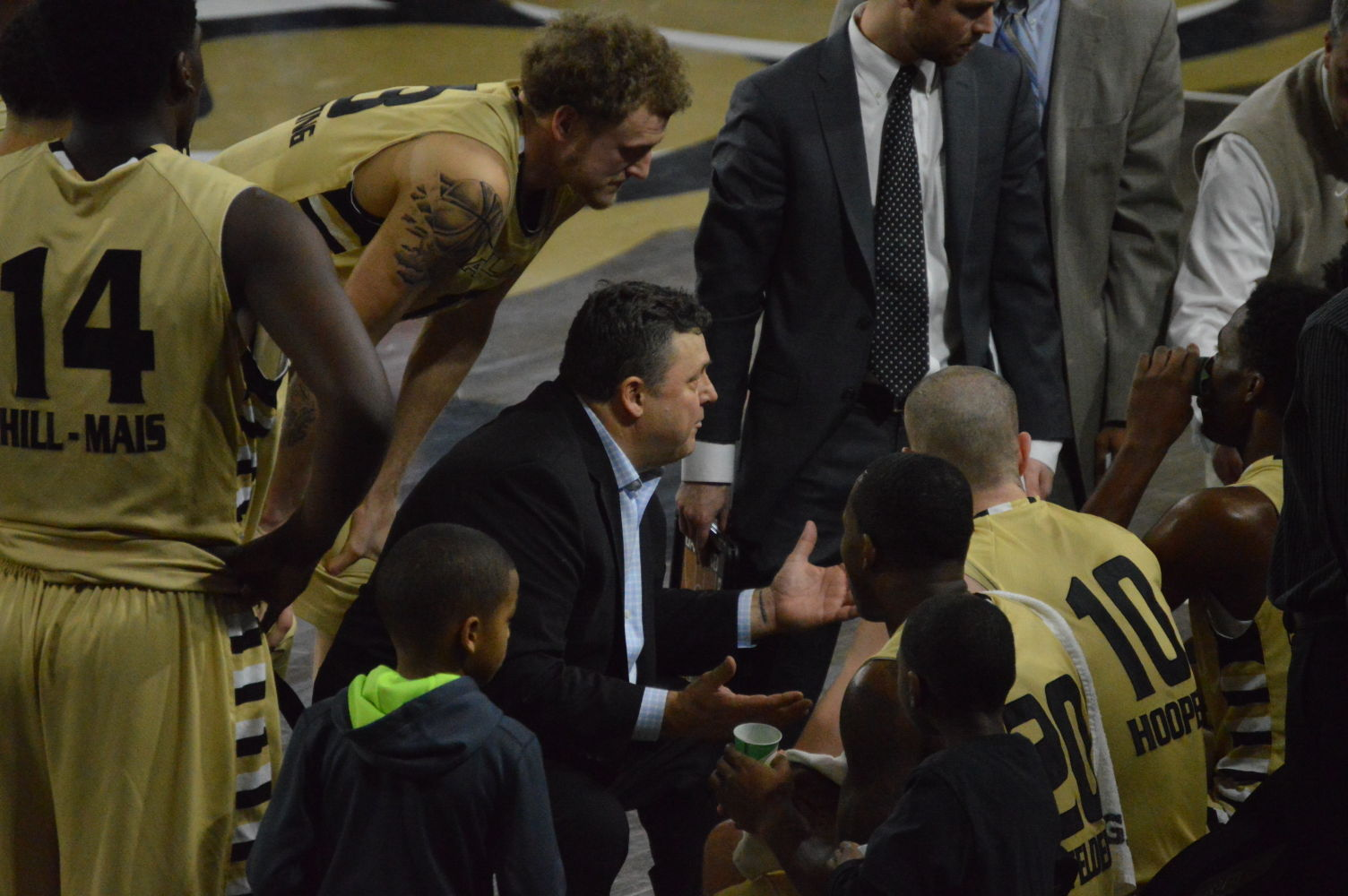 Head coach Greg Kampe talks to the team during a timeout in the first half of the game against Wright State.
