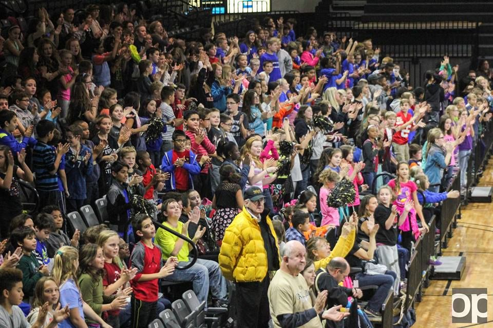 Hundreds of kids filled the O'rena on Nov.13 to cheer on the women's basketball team on Education Day.