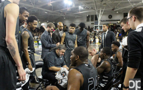 Men's basketball pounces Towson Tigers in first round of Vegas 16