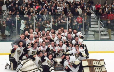 Oakland DIII club hockey wins national title