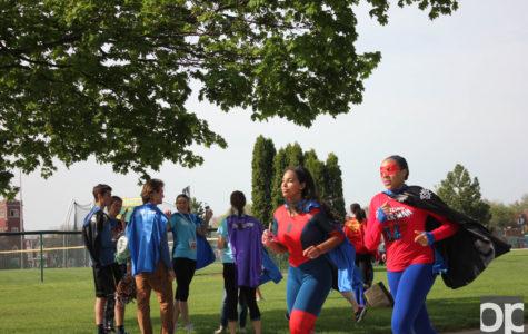 Soccer alum helps make Super Run super