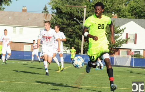 Men's soccer strings third league win in tough one at Detroit