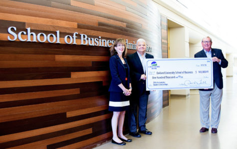 Crestmark Bank gives $100,000 to business school