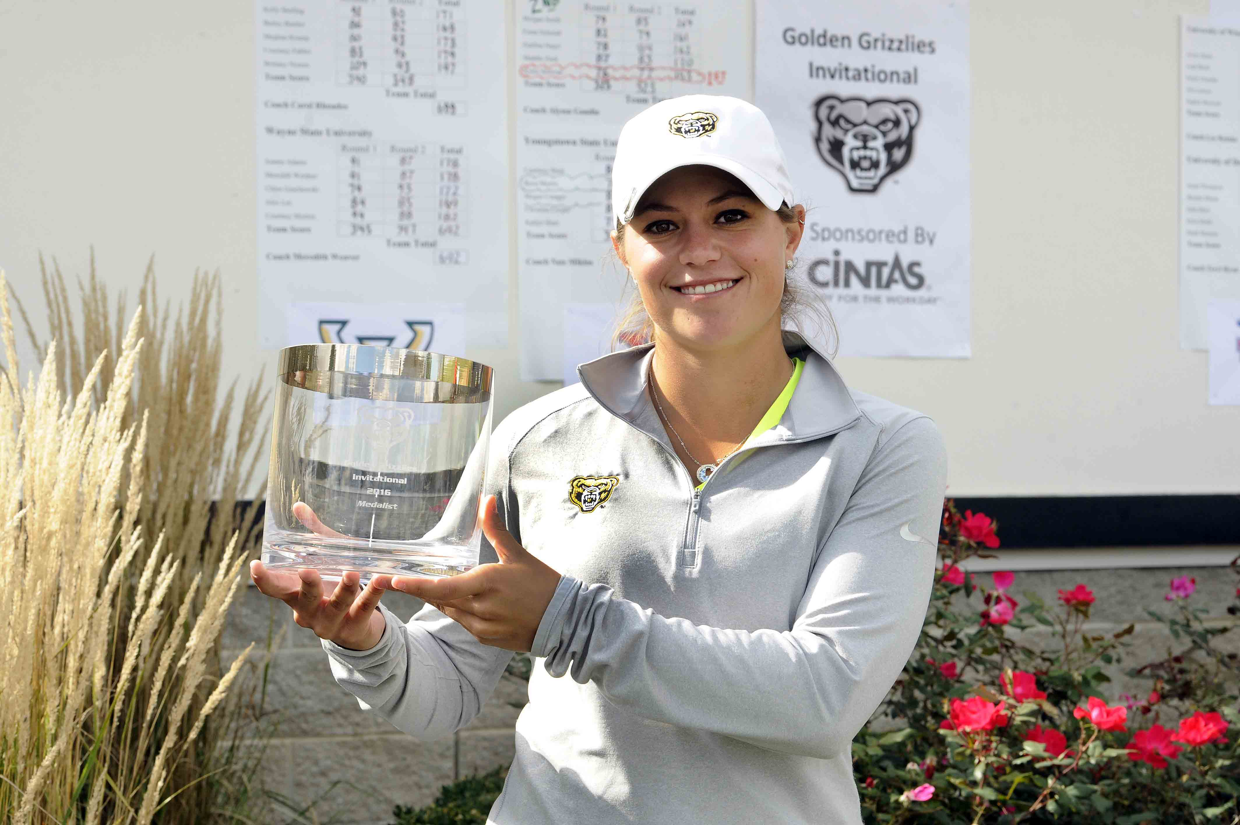 Sophomore Kylee Sullivan grabs first career individual title at the Golden Grizzlies invitational.