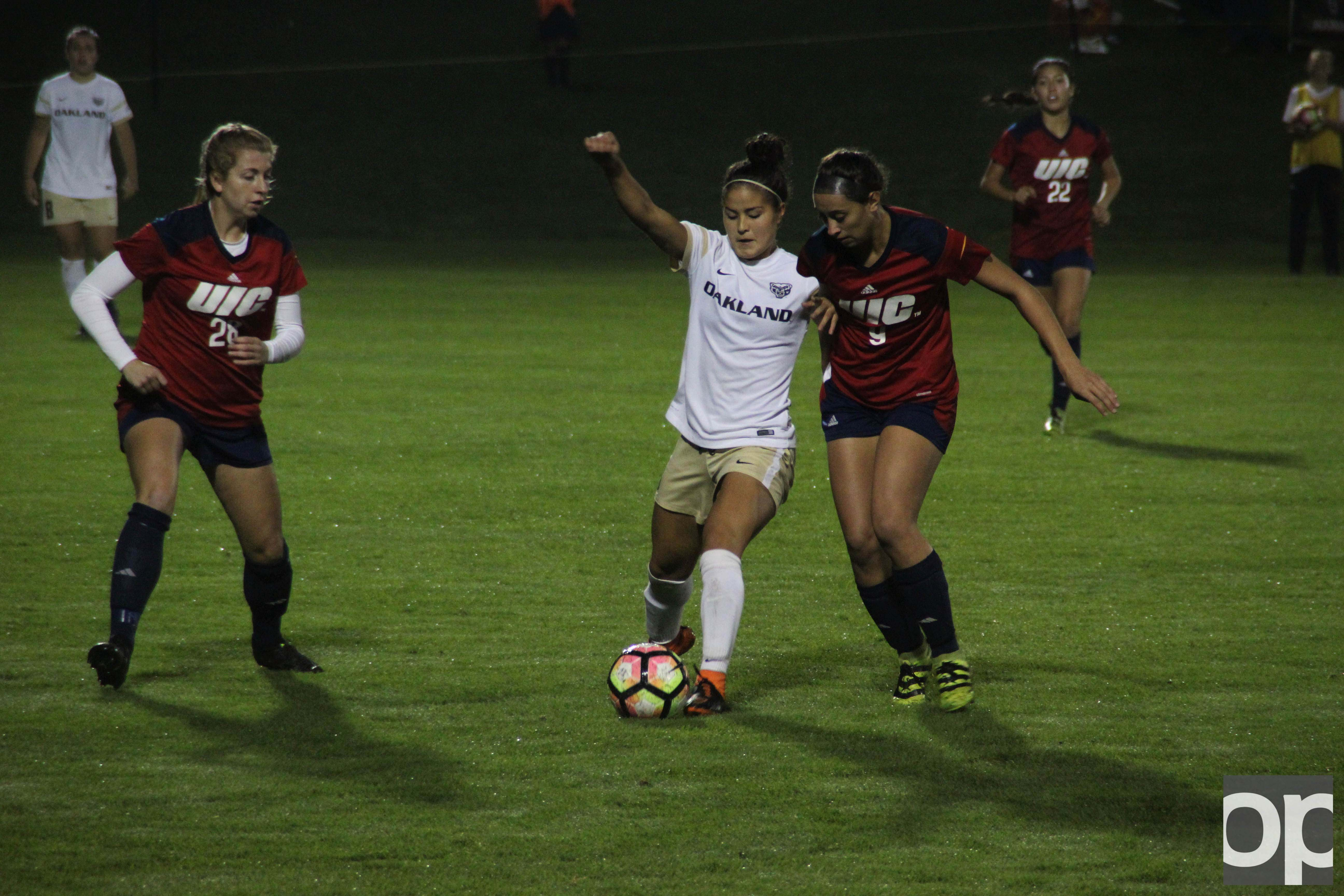 Brooke Miura (3) scored Oakland's lone goal Saturday night at the Oakland soccer field against UIC.