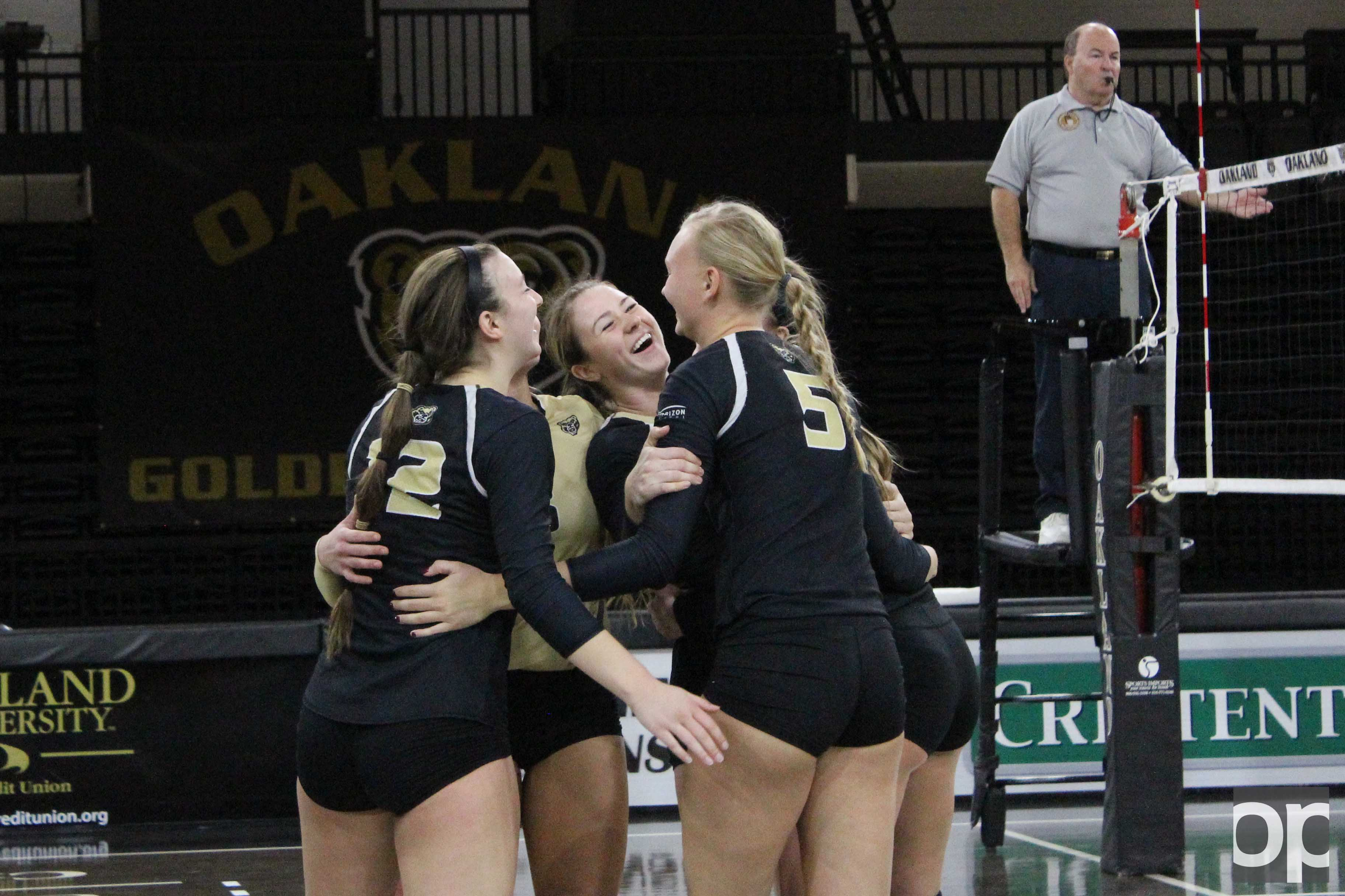 The Golden Grizzlies won against the Phoenix 3-0 Saturday night at the O'rena.