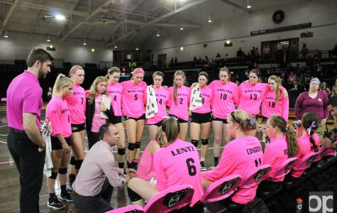 Volleyball falls to Valpo in three close sets