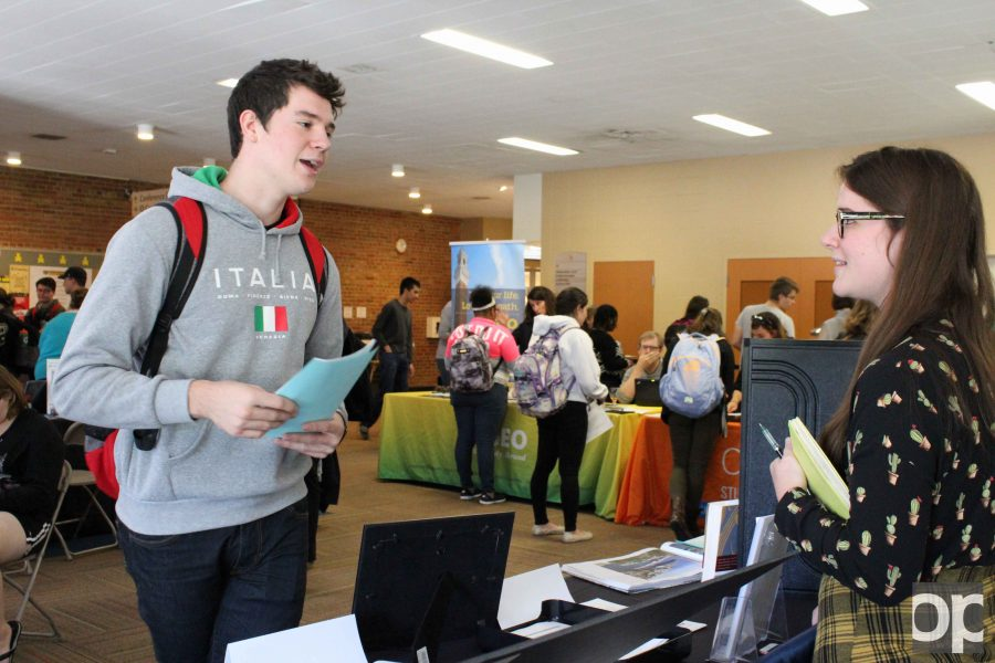 Interested+students+attended+the+Study+Abroad+Fair+to+receive+information+about+scholarships+and+trips.