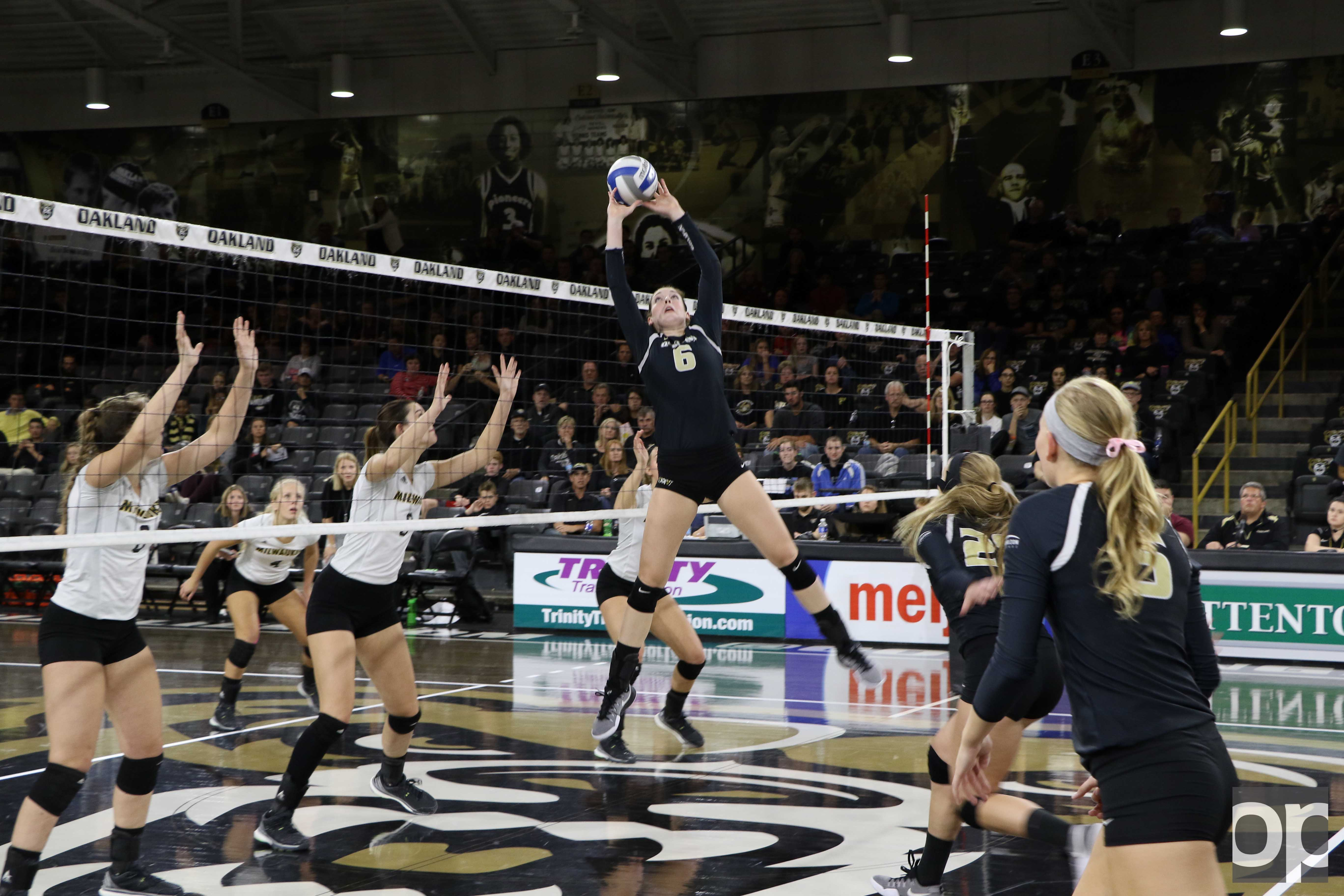 Oakland volleyball is now ranked #3 on the Horizon League standings.