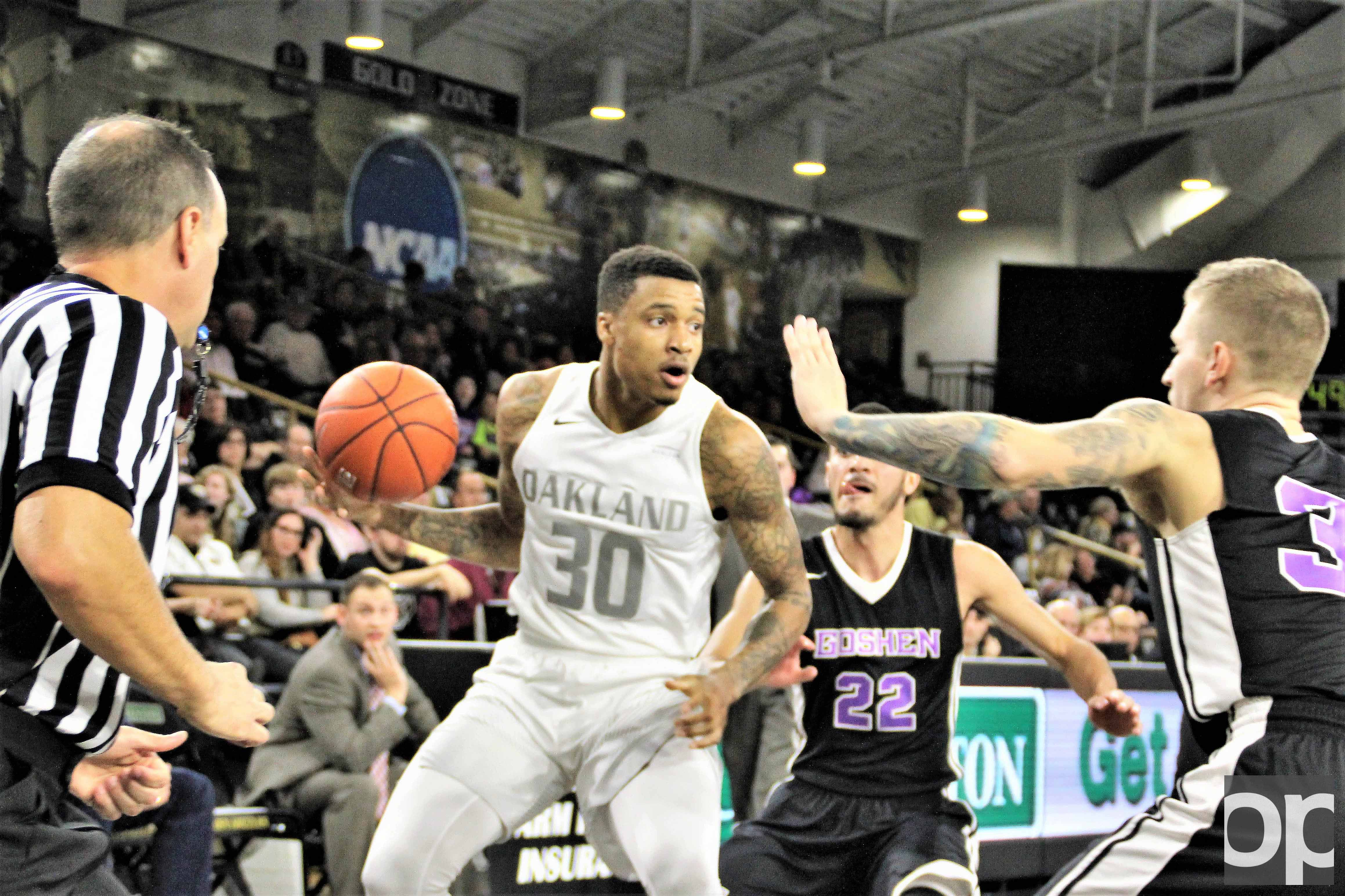 Sherron Dorsey-Walker (20 points) and Martez Walker (21 points) combined scored 41 points to lead the Golden Grizzlies into its third victory of the season. Oakland  defeated Goshen College 102-59.