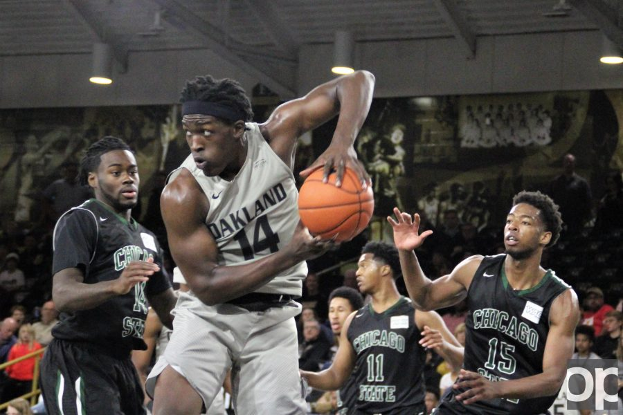Xavier Hill-Mais scored 16 points following Martez Walker's 24 points which lead to the Oakland's win against Chicago State..