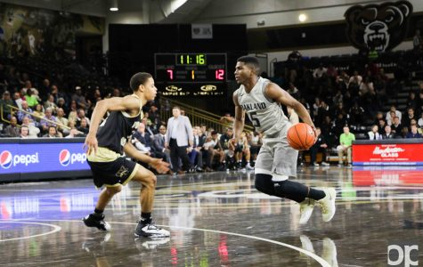Junior guard Stevie Clark scored 15 points on Monday night's game against Western Michigan.