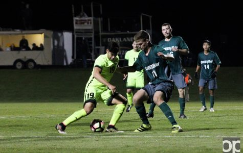 Men's soccer to league semis after 1-0 home win