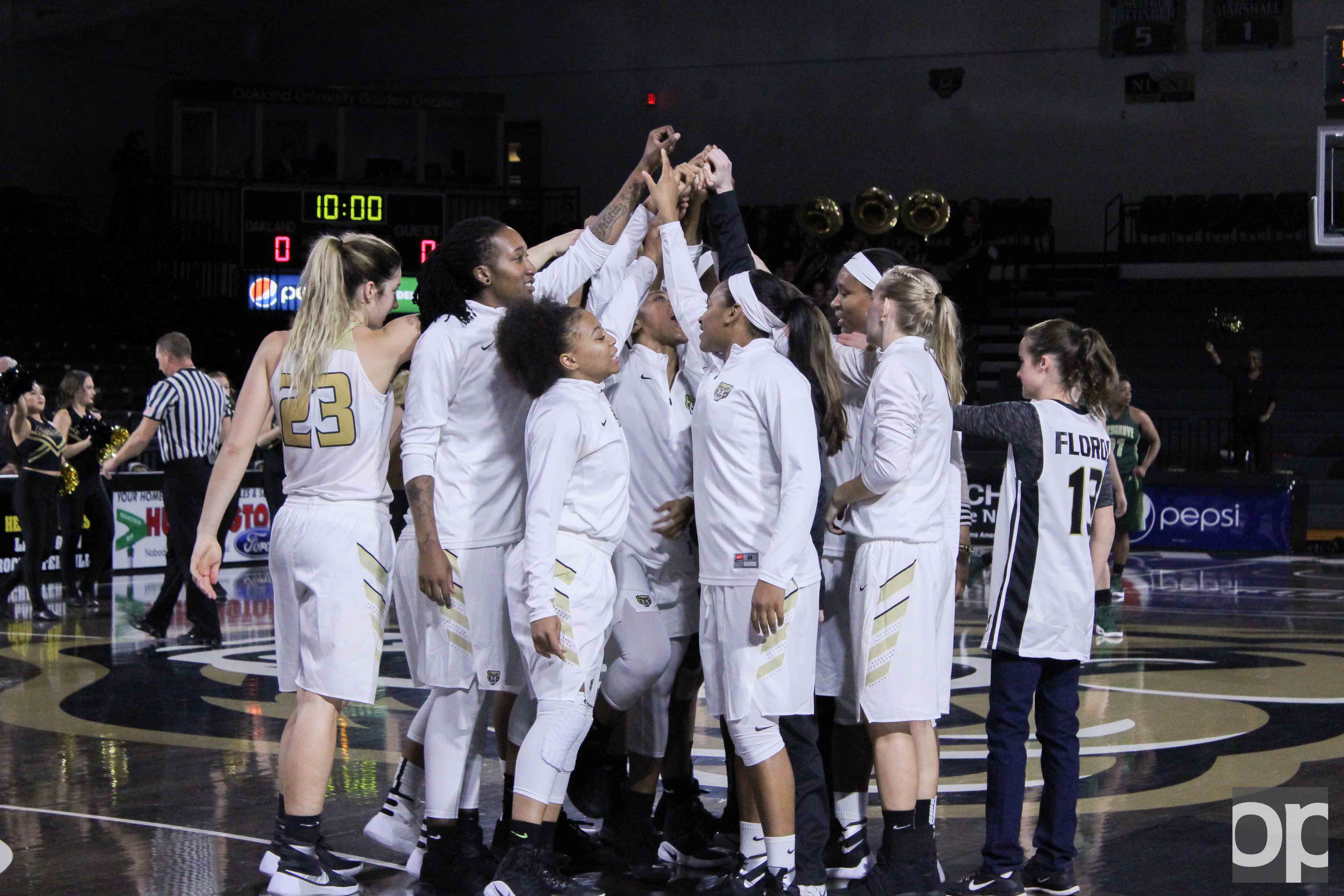 The Golden Grizzlies were back on the Blacktop Monday evening where they celebrated a win over Marygrove. The home opener final score was 126-31.