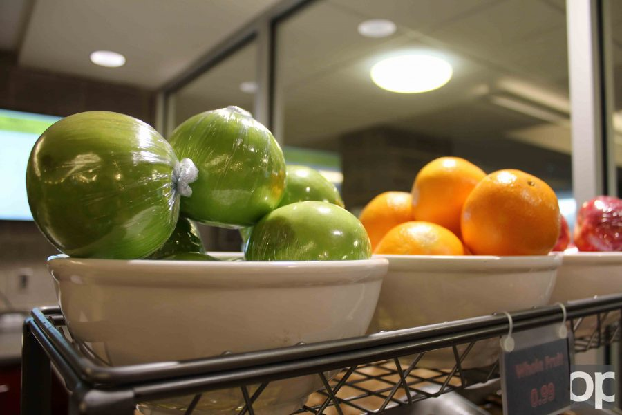 Students+can+get+fresh+fruits+on+campus+to+maintain+their+healthy+diets.+