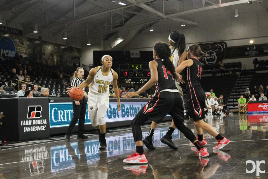 Sophomore guard Taylor Jones and junior guard Cierra Bond led Oakland with 19 points each.