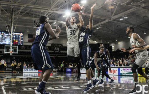 Men's basketball dominates Oral Roberts in its return to the Blacktop