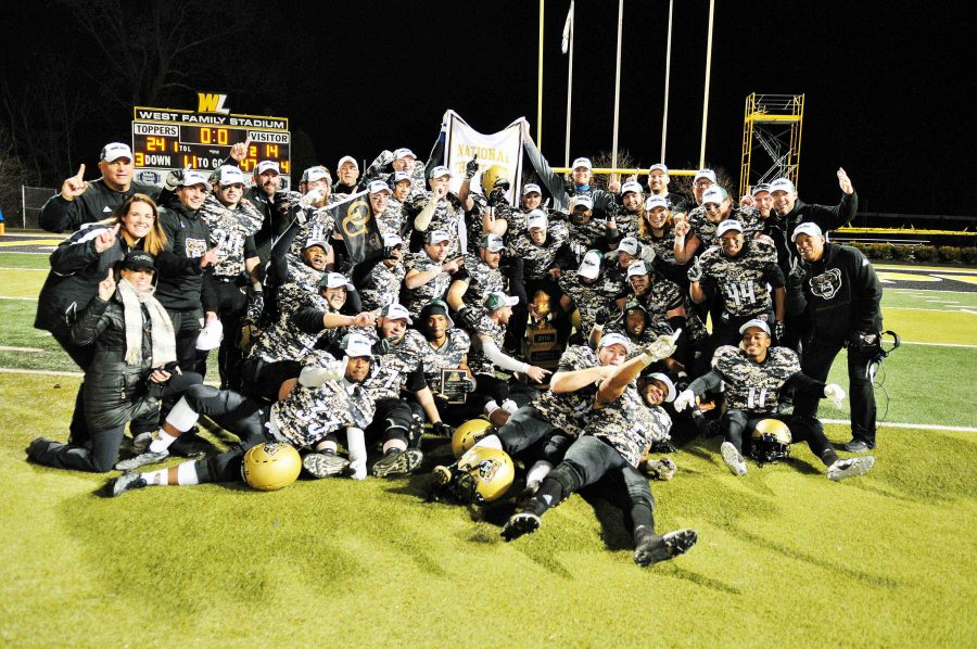 The Oakland club football earned National Championship title after its undefeated season on Saturday, Dec. 3.