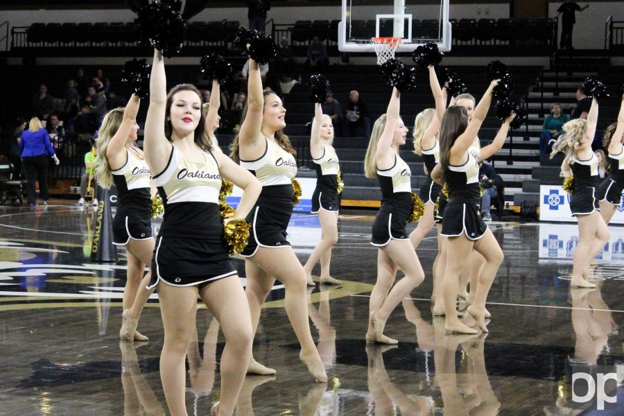 The+Oakland+dance+team+performs+at+halftime+during+a+women%27s+basketball+game+at+the+O%27rena.