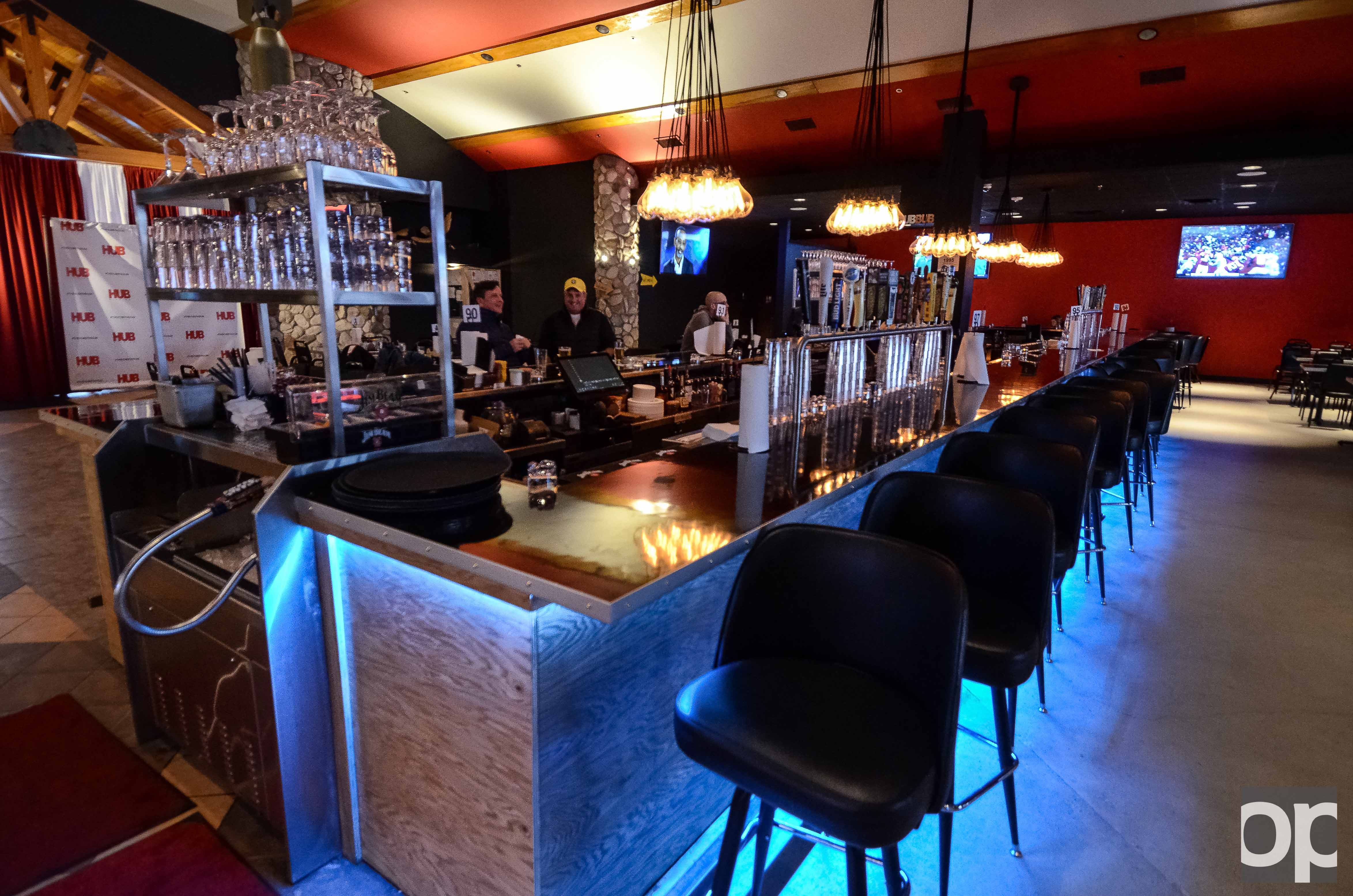 Bombowling at the hub of new bar the oakland post for Food bar oakland