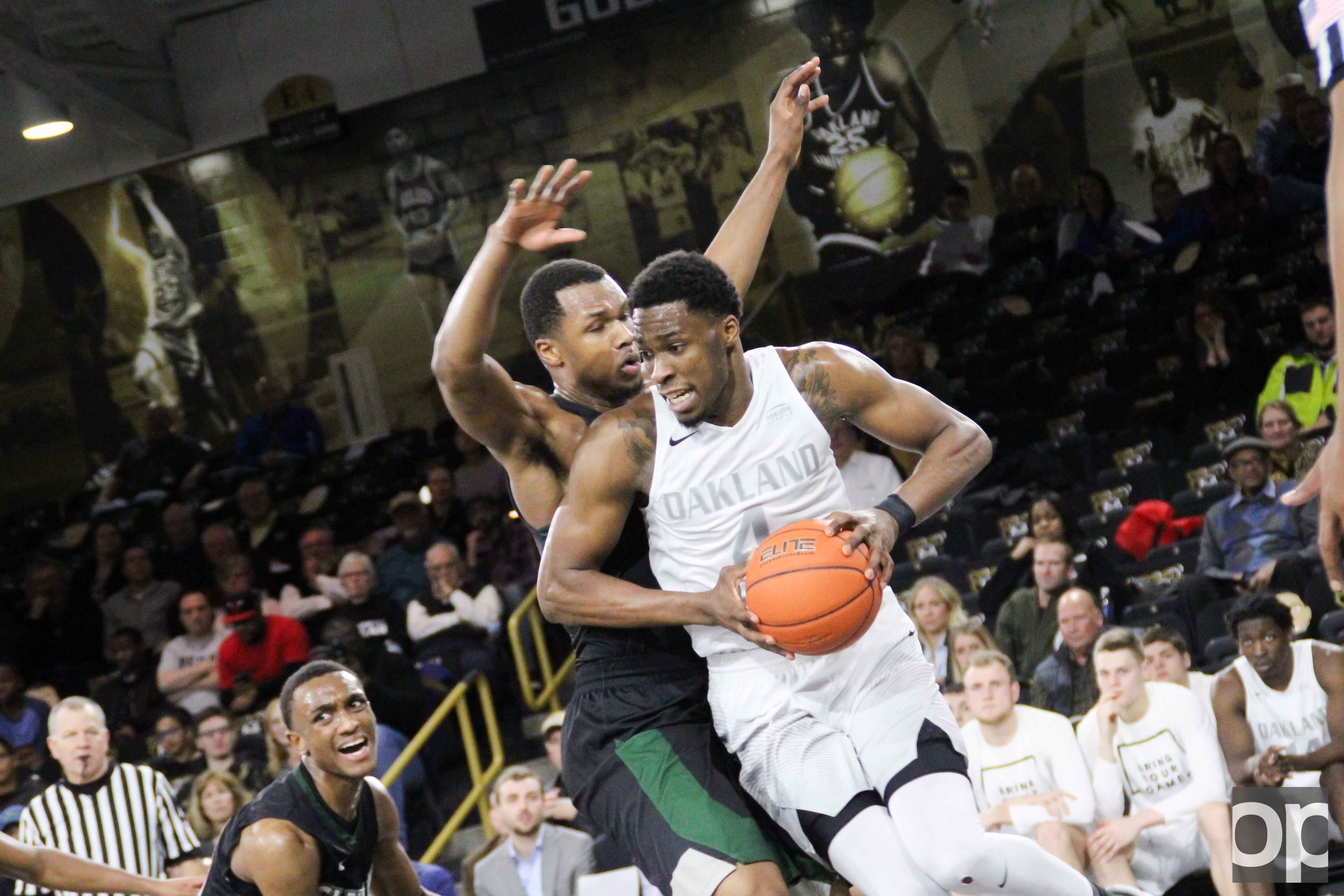 With 25 points for the Golden Grizzlies, Jalen Hayes recorded 1,000 career points Monday night at the O'rena.