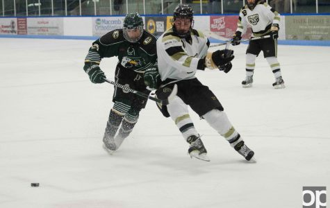 Oakland Division I hockey falls to EMU