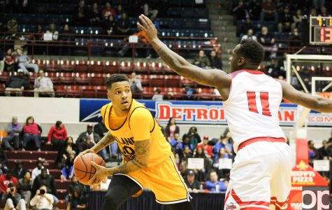 Sweet revenge: Men's basketball enjoys victory over the Titans, 89-80