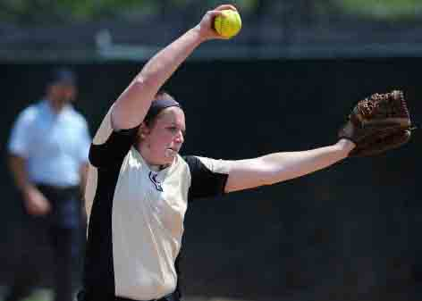 Oakland University softball pitcher Erin Kownacki was named the Horizon League Pitcher of the Week on Feb. 20 and Feb. 27.