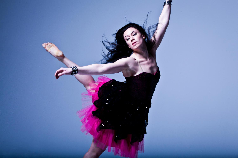 elizabeth riga dance shot the oakland post