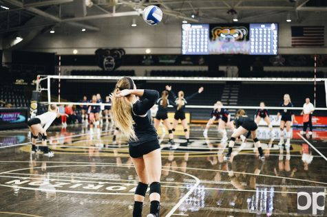 Oakland Volleyball takes on UIC in final regular season match