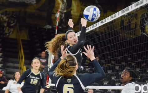 Volleyball wins 3-2 against UIC