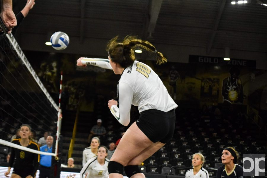 Volleyball defeats Wright State in five sets, 3-2