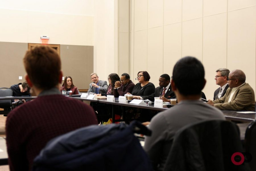 Campus+experts+explore+the+myths+of+living+in+a+post-racial+society