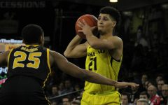 Oakland falls to Milwaukee at home, 67-64