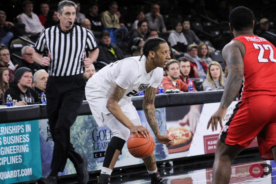 Oakland falls to Youngstown State 75-74