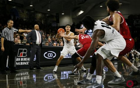 Men's basketball defeats IUPUI to close out regular season