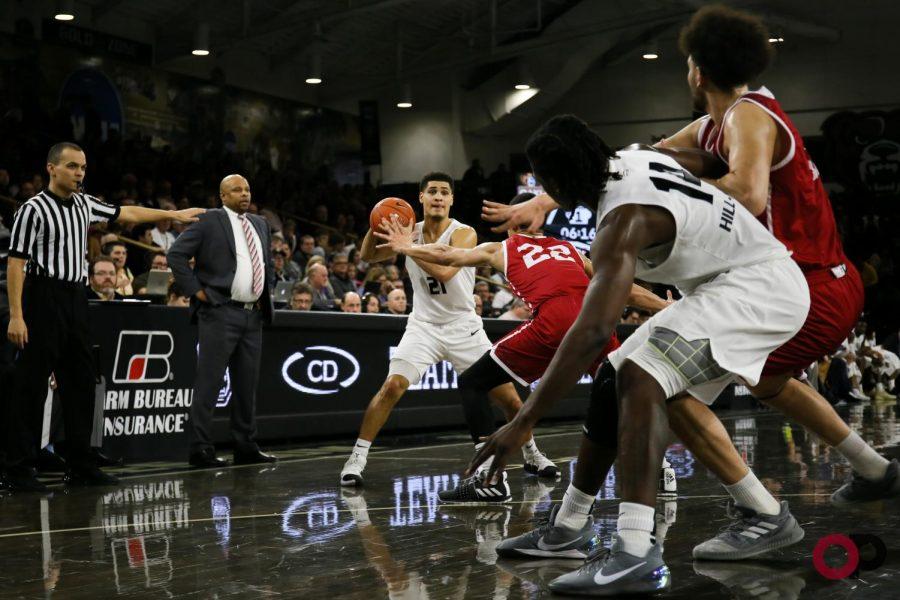 Men's basketball defeats IUPUI to close out regular season